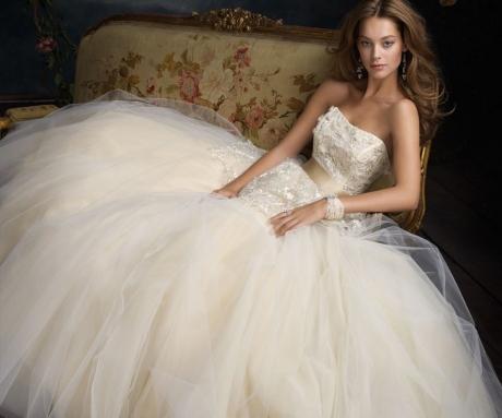 Menyasszonyi ruha 18.